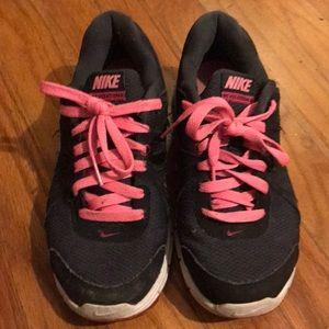 Women's Nikes. Size 7
